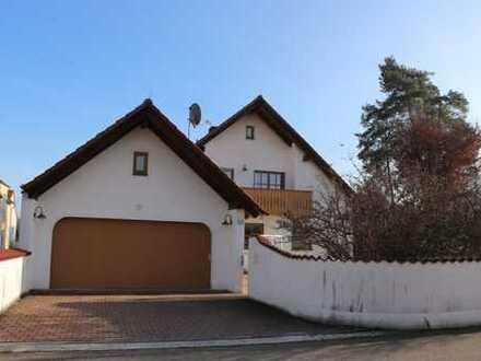Gepflegte Erdgeschosswohnung mit Terrasse, Garten- und Garagenanteil in Neuburg-Donau
