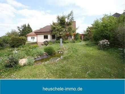 Einfamilienhaus mit großem, traumhaftem Garten in Nähe zu Feldern und Wiesen