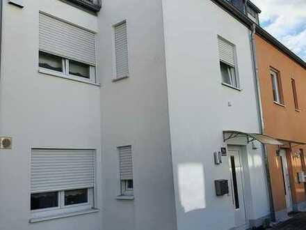 Schönes Haus mit fünf Zimmern in Ingolstadt, Friedrichshofen