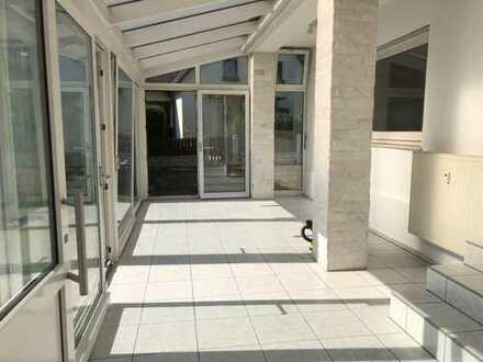 895 €, 145 m², 6 Zimmer