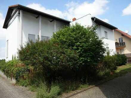 Schönes, großzügiges Einfamilenhaus in Main-Taunus-Kreis, Hattersheim am Main