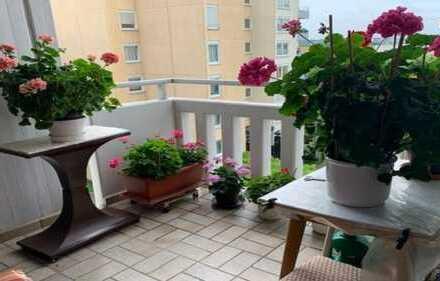 Sehr helle, schöne, geräumige zwei Zimmer Wohnung in Bietigheim-Bissingen