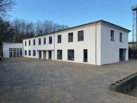 Beheizte Halle auf 2 Ebenen in der Eckernförder Straße 327 - teilbar!