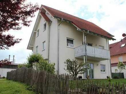 Gepflegtes Zweifamilienhaus in ruhiger Anliegerstraße in Michelstadt