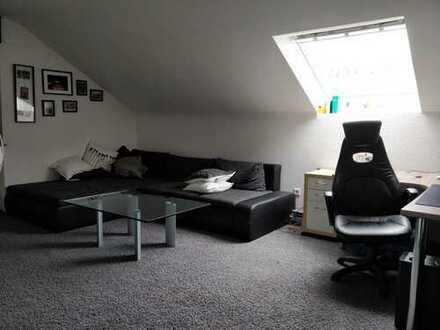 2- Zimmer Dachgeschosswohnung, zentral in Ense-Bremen
