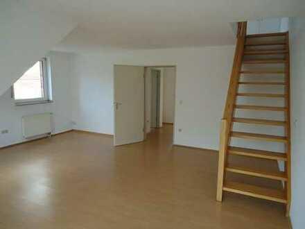Schöne 2 Zimmerwohnung über zwei Etagen