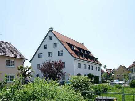 Wohnen mit Ausblick in einem historischen Gebäude - Sonnige 3,5 Zimmer-ETW in Wolpertswende