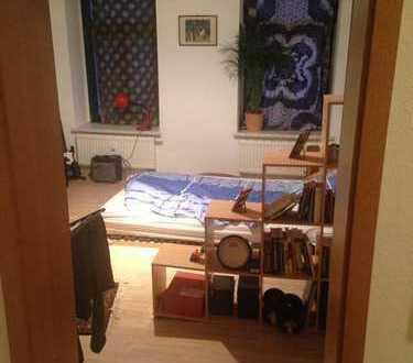 Mitbwohner gesucht 2 Zimmer: Möbilierte Wohnung, ruhige Lage, 1 Monat Zwischenmiete