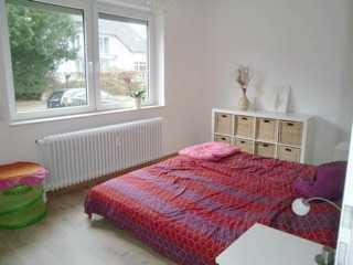 Exklusive, gepflegte 2-Zimmer-Erdgeschosswohnung mit Balkon und EBK in Bremen