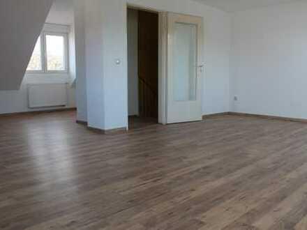 Erstbezug nach Sanierung! Haus in toller Lage mit fünf Zimmern in Herzogenaurach
