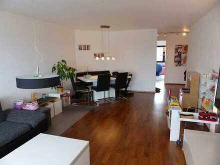 BURGER IMMOBILIEN...! renovierte, moderne 3 Zimmerwohnung in bester Randlage von Großheppach.