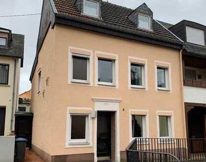 Schönes Haus mit sechs Zimmern in Trier-Saarburg (Kreis), Föhren