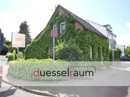 Unterbach: freistehendes Einfamilienhaus mit ca. 125 m² Wohnfläche, Carport und großem Hof