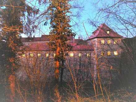 Hechtzwinger zu Dinkelsbühl • Ein außergewöhnliches historisches Anwesen
