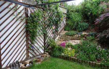 Ruhige 3,5 Zimmer Wohnung mit Terrasse und Garten