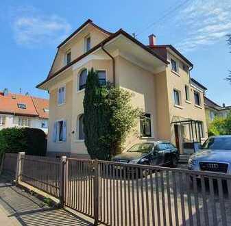 Sehr schöne, modernisierte 4-Zimmer-DG-Wohnung einer Villa mit EBK in Karlsruhe-Rüppurr