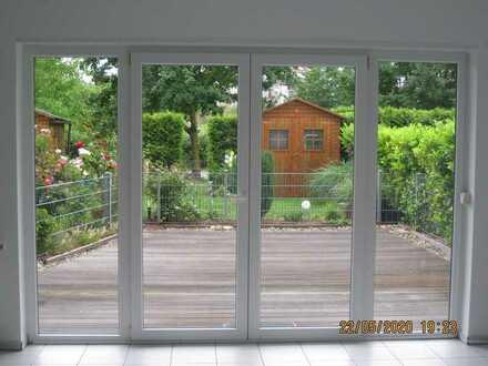 Exklusive, geräumige und gepflegte 1-Zimmer-EG-Wohnung mit Terrasse und Einbauküche in Mannheim