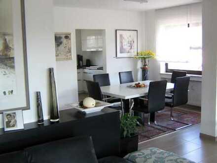 Neuwertige 4-Zimmer-Wohnung mit Balkon in Goldbach