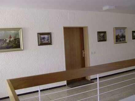 Aufwendig renovierte 2-Zi.-Terrassenwohnung, schöne und ruhige Lage am Kurpark