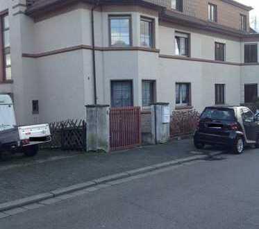 Schöne 4-Zimmer-DG-Wohnung in guter Wohnlage mit Balkon und Einbauküche in Neunkirchen