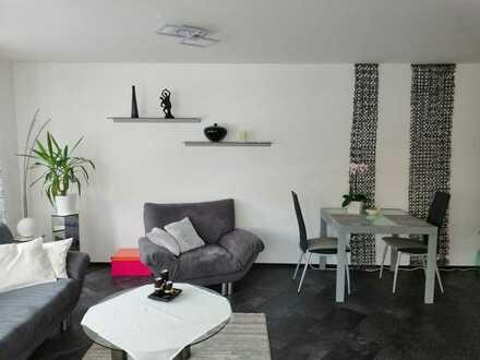 Exklusive, modernisierte 2-Zimmer-Erdgeschosswohnung mit Balkon und EBK in Baltmannsweiler