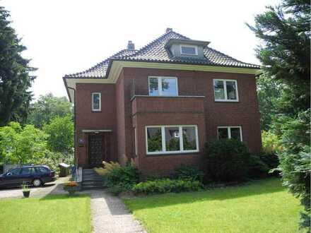 3,5-Zimmer Hochparterre-Wohnung mit Garten - Altbau - Erstbezug nach Sanierung