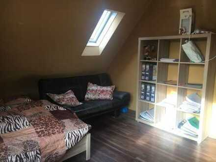 2 Zimmer Dachgeschosswohnung neben Hochschule Stadtmitte