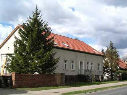 Bild_Leben im Grünen - arbeiten in der Stadt...in einem Drei-Seiten-Hof mit rund 0,9 ha Land