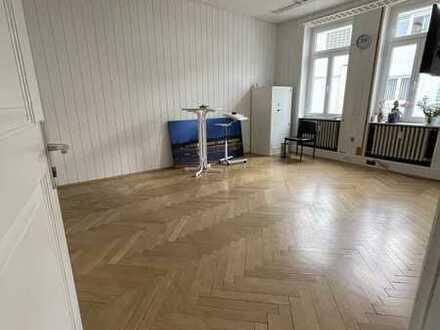 Bürofläche in Stuttgart - Obertürkheim