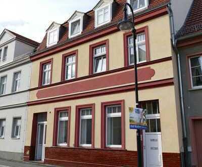 Büroeinheit im Erdgeschoss in der Peitzer Altstadt zu vermieten!
