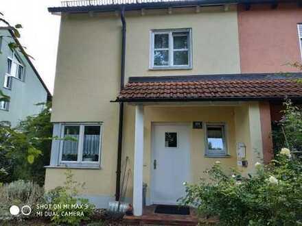 Schönes, geräumiges Haus mit vier Zimmern in Ingolstadt, Friedrichshofen