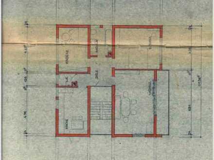 Gepflegte 3,5-Zimmer-Hochparterre-Wohnung mit Balkon in Moos