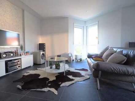 2,5 Zimmer-Wohnung mit großer Dachterrasse und Garagenstellplatz in Ruit
