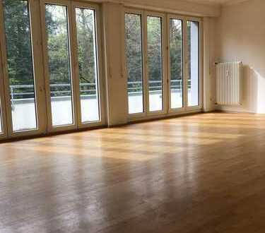 Schöne, geräumige vier Zimmer Wohnung in Pforzheim, Buckenberg
