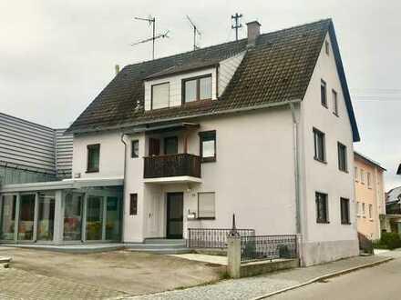 Gersthofen: Großzügige und lichtdurchflutete Maisonette-Wohnung