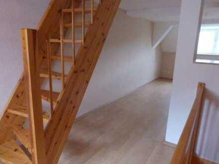 Maisonette-Wohnung über 3 Etagen mit Balkon!