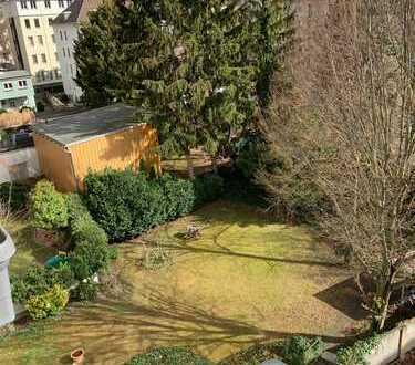 Gepflegte 2-Zimmer-Wohnung mit Balkon nahe der unteren Berger Straße