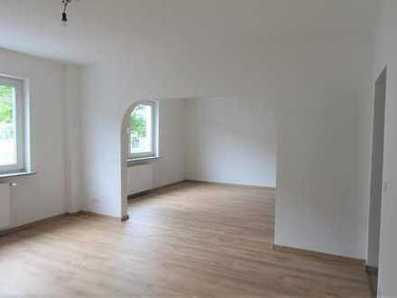 Erstbezug nach Sanierung mit Balkon: ansprechende 3-Zimmer-Wohnung in Essen-Huttrop