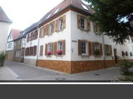 Fast 7% Mietrendite! Saniertes Altstadthaus im Herzen von Bad Bergzabern