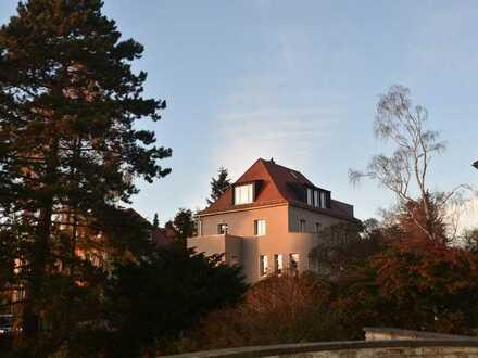 Weißer Hirsch - komplett ruhige Wohnung in kernsanierter Villa mit Aussicht