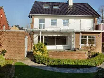 Neuwertiges Haus mit sieben Zimmern in Grafschaft Bentheim (Kreis), Nordhorn