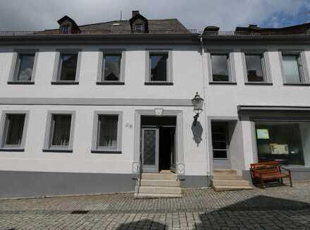 Schöne sieben Zimmer Wohnung in Hof (Kreis), Lichtenberg