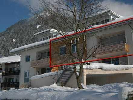 Traumhafte, lichtdurchflutete 4-Zimmer-Wohnung mit Balkon in sehr ruhiger Lage von Burgberg