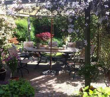 Charmantes Einfamilienhaus mit einem traumhaften Garten in Kr-Hüls