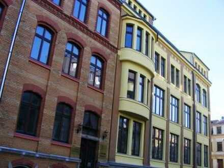 """2-R-Wohnung """"Zum Glücklichsein"""" im Dachgeschoss"""