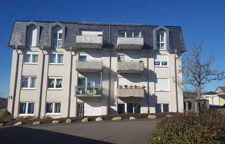 Preiswerte und gepflegte 4-Zimmer-Wohnung mit EBK und Balkon in Idar-Oberstein Göttschied