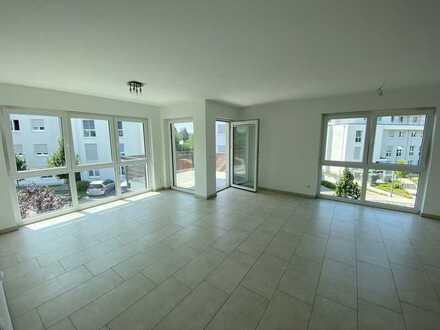 Neuwertige 3-Zimmer-Wohnung mit großem Balkon und einer hochwertigen EBK, Frankfurt am Main