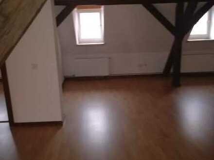 Günstige, gepflegte 3-Zimmer-Wohnung mit Einbauküche in Meisenheim