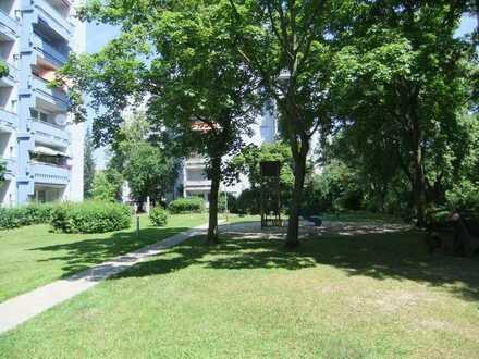 Geräumige 4-Zimmer Wohnung mit Balkon und tollem Ausblick im 8. OG