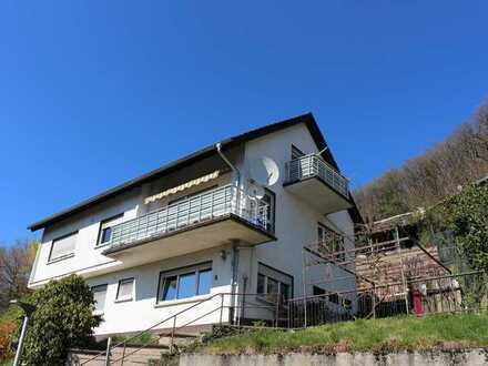 Freistehendes Zweifamilienhaus mit Einliegerwohnung in sonniger Lage!
